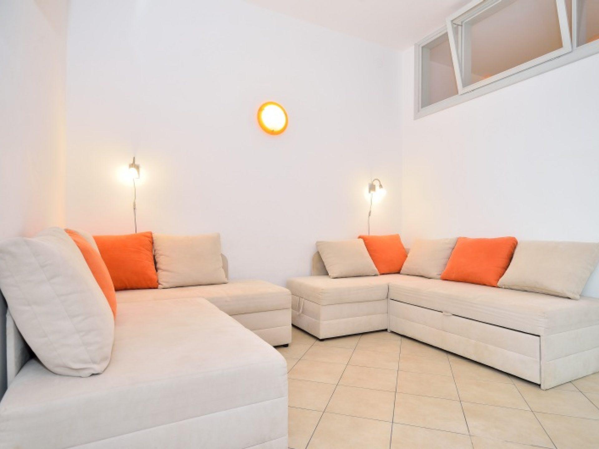 orange apartment - nautilus luxury apartments